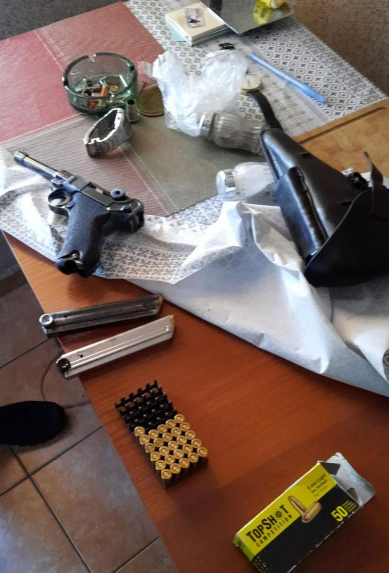 12 detained in Poland in gun smuggling crackdown
