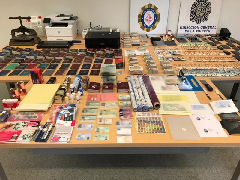Printing shop for forged documents dismantled in Barcelona